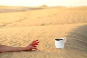 Знаеш ли защо горещото кафе ще те разхлади по-добре?